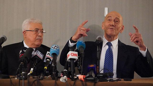 אהוד אולמרט מחמוד עבאס אבו מאזן הצהרה תקשורתית ניו יורק (צילום: AFP)