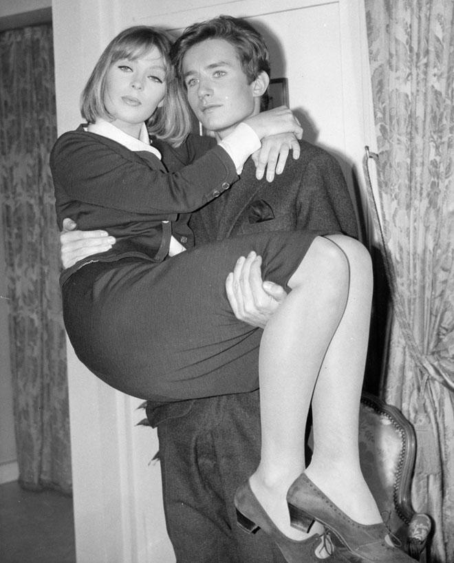 ניקו עם ז'אן סובייסקי, בן זוגה של הזמרת דלידה. דגמנה עבור מיטב בתי האופנה והצטלמה למגזינים יוקרתיים (צילום: Keystone/GettyimagesIL)