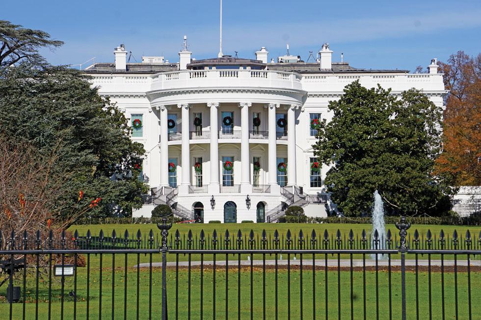 הבית הלבן. את וושינגטון תכנן האדריכל הצרפתי פייר שארל ל'אנפן, ובין היתר נקבע, שבעיר לא יוקם אף מבנה שהוא גבוה יותר מבניין הקפיטול  (צילום: צביקה בורג)