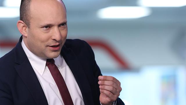 נפתלי בנט ריאיון אולפן ynet (צילום: אבי מועלם)