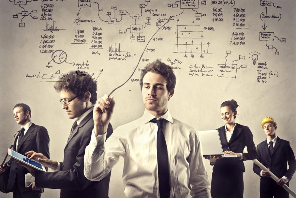 אנשי הגם וגם. אנשים עובדים שבשעות הפנאי שלהם ממשיכים לעבוד בעבודה צדדית אחרת.  (צילום: shutterstock)