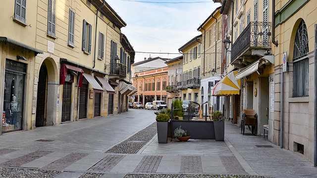 Опустевшие улицы на севере Италии. Фото: EPA