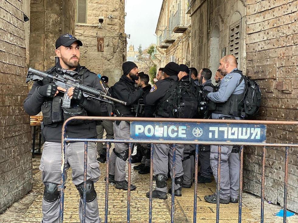 משטרה בזיאת ניסיון הפיגוע בירושלים (צילום: דוברות המשטרה)