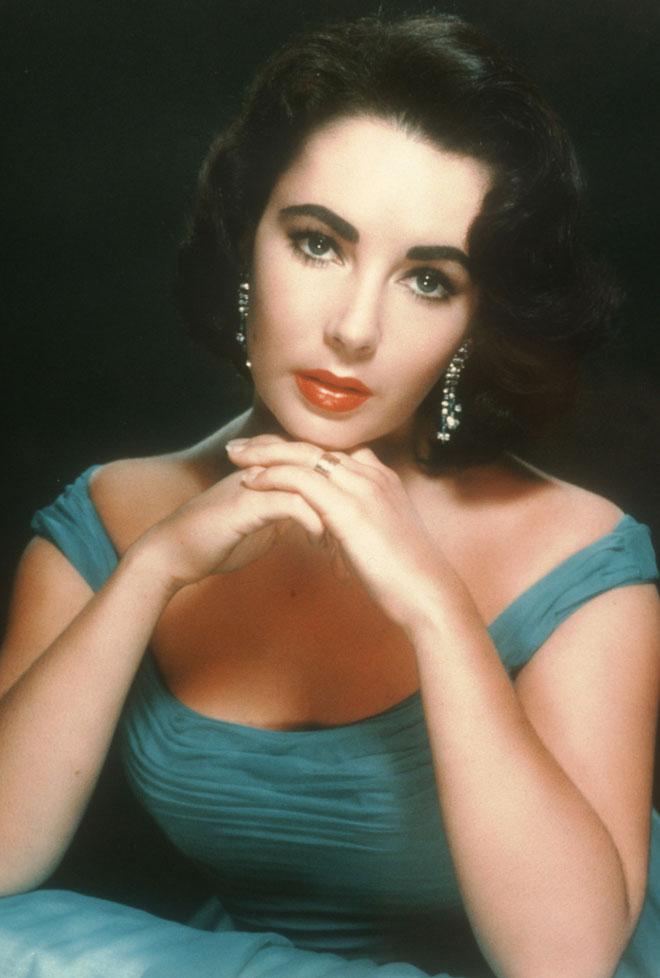 היתה ידועה בחיבתה ליהלומים. בשנות ה-60 (צילום: Hulton Archive/GettyimagesIL)
