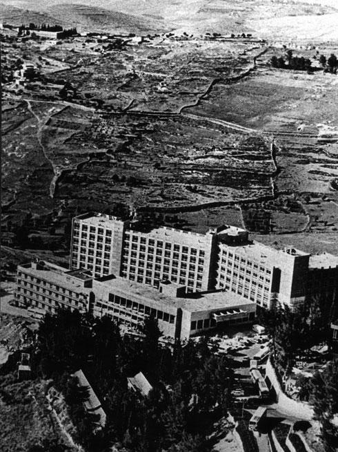 מלון דיפלומט בתלפיות, 1972 (צילום: מעזבונו של האדריכל ראובן רודולף טרוסטלר)