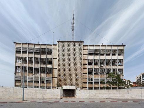 והיום: ממתין לגריסה לטובת בניינים לאוכלוסייה החרדית (צילום: TaBaZzz, cc)