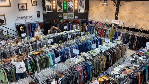 המציאון – סטייל וינטג' יד שנייה. 50 אחוז הנחה על בגדים ואביזרים ו-25 אחוז הנחה על תכשיטי כסף ופריטי ויטרינה  (צילום: המציאון סטייל וינטג' יד שנייה)