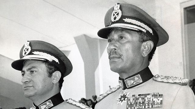 מצרים חוסני מובארק עם אנוואר סאדאת 1981 (צילום: AFP)