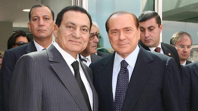 מצרים חוסני מובארק ו סילביו ברלוסקוני 2010 (צילום: MCT)
