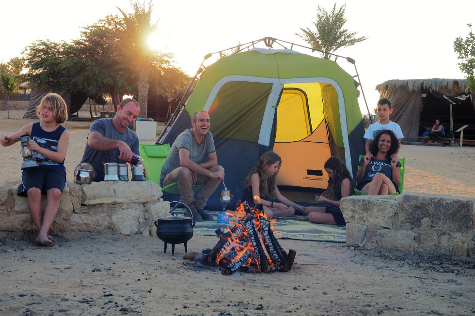 חניון הלילה הבשור (צילום: טל גליק)