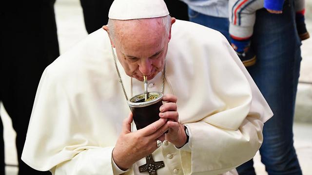 ה אפיפיור פרנסיסקוס מאטה  (צילום: AFP)