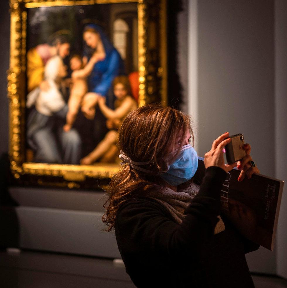 תערוכה של רפאל ברומא (צילום: AP)