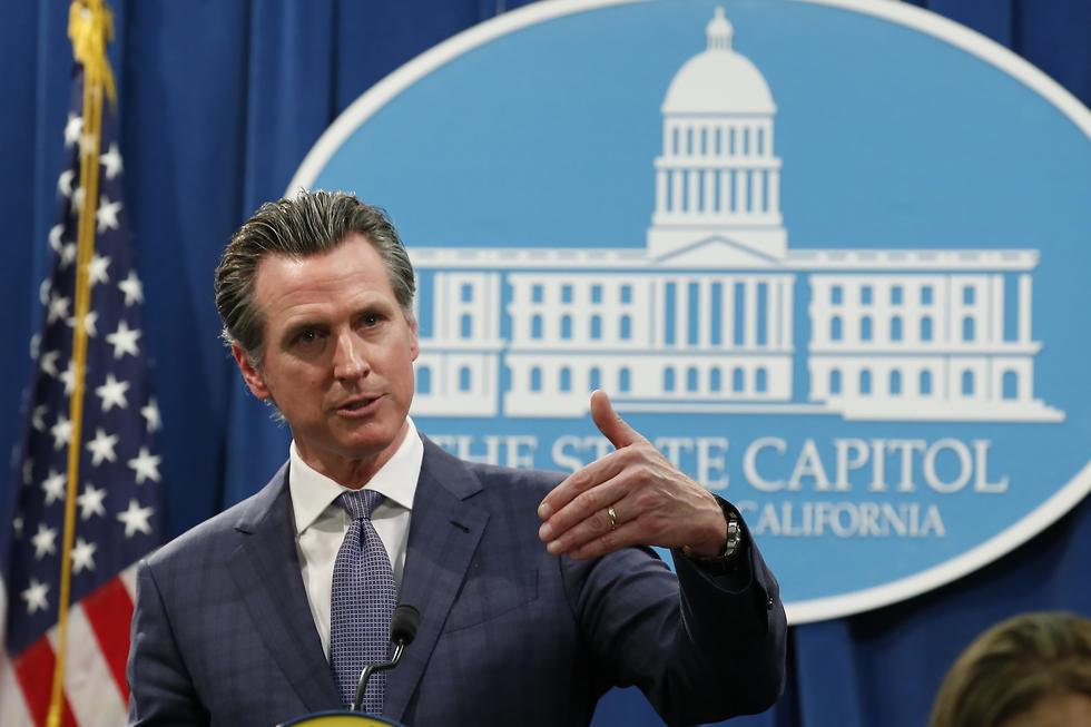 מושל קליפורניה גאווין ניוסום הכריז על מצב חירום בגלל ה קורונה נגיף (צילום:  AP)