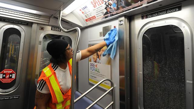 Дезинфекция поезда. Фото: MCT