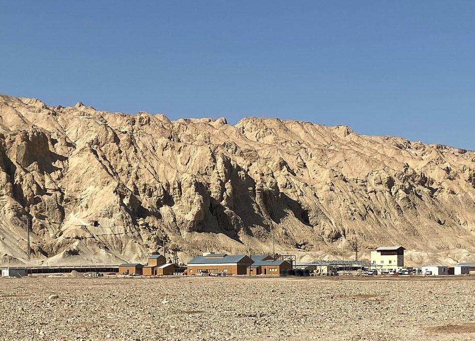 האדמה הרעועה של האזור מחייבת את האדריכלים לבסס את המבנים המשוחזרים על רפסודות בטון, כדי שלא יזוזו (צילום: קימל אשכולות)