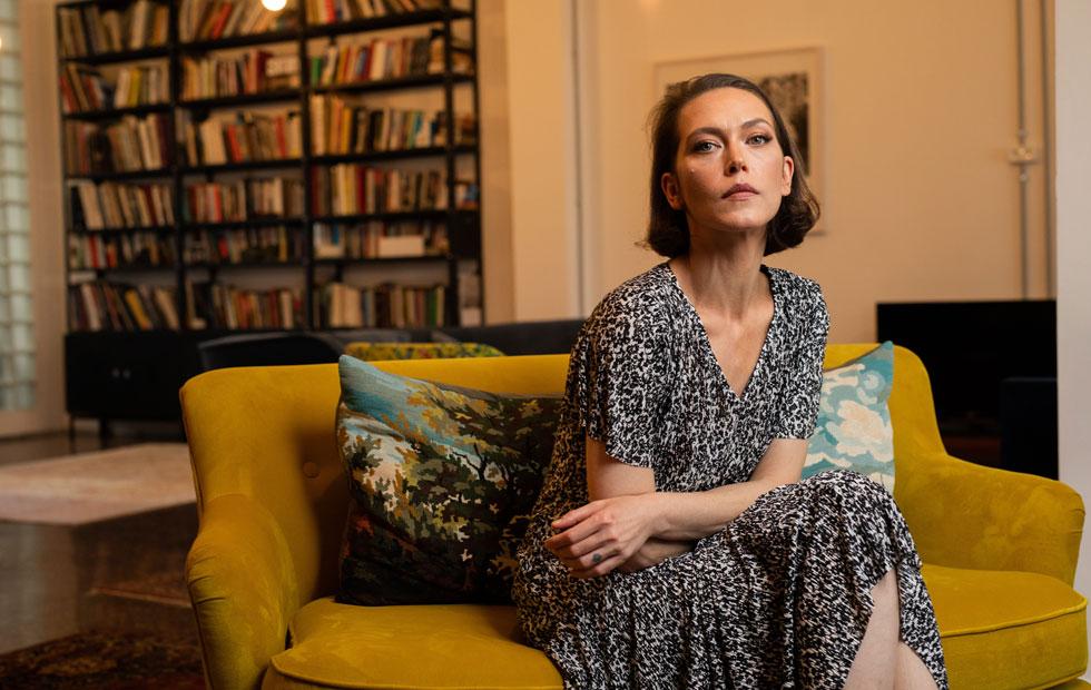 """""""הייתי ילדה מאוד חסרת ביטחון, לא האמנתי שאני יפה. כל הזמן חיפשתי חיזוקים, כל הזמן"""". יאנה גור (37), דוגמנית, שחקנית ופרזנטורית של דורין פרנקפורט  (צילום: טל שחר)"""