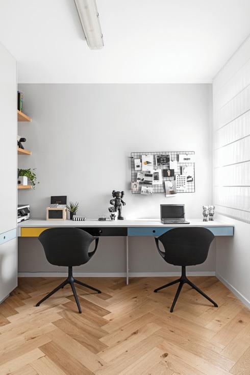 חדר העבודה של המתבגרים (צילום: איתי בנית)