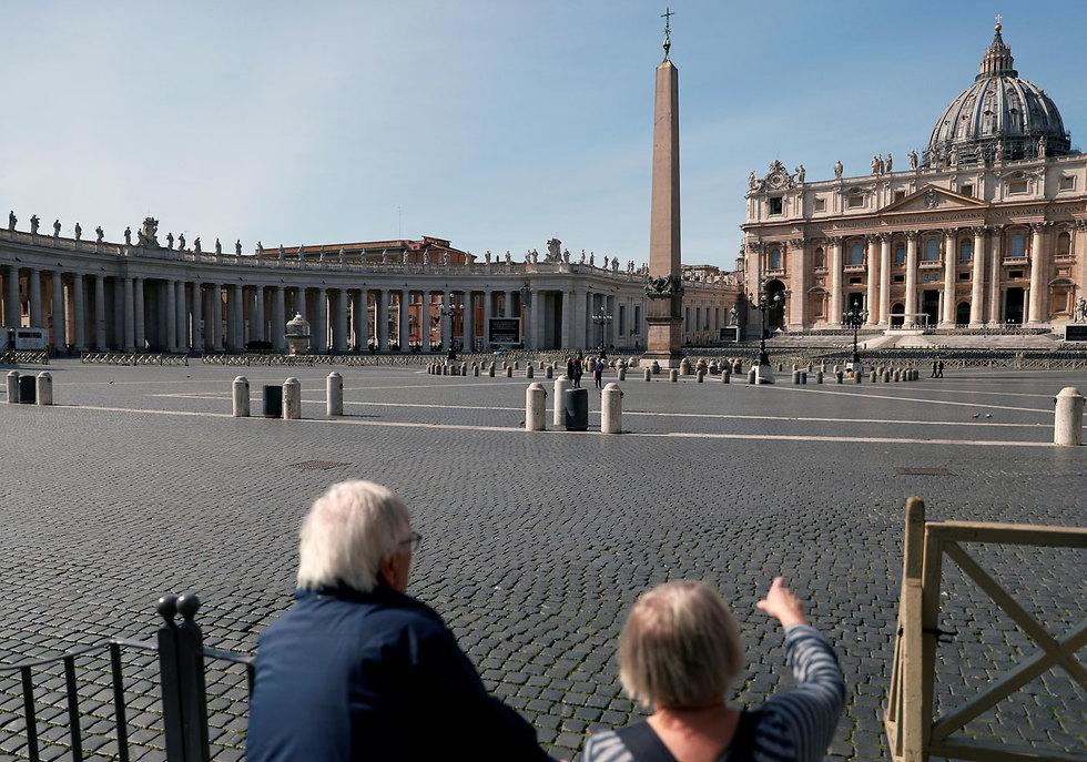 נגיף קורונה סגר על איטליה כיכר פטרוס הקדוש ותיקן רומא (צילום: רויטרס)