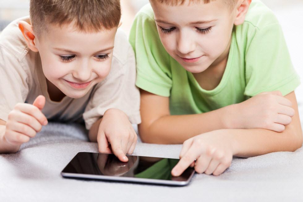 איך אתם מבצעים רכישת סמארטפון לילדים?  (צילום: shutterstock)