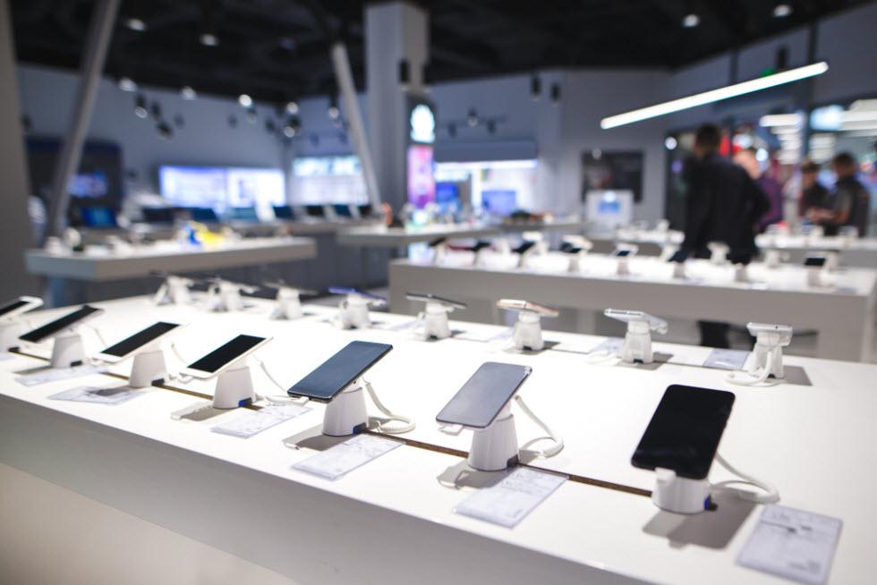 מחיר מכשירי הסלולר ב-36 תשלומים גבוהים בעשרות אחוזים ממחיר אותם מכשירים במזומן או עד 12 תשלומים (צילום: shutterstock)