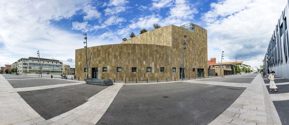 התיאטרון הגדול של פרובאנס, צרפת, אף הוא בתכנונו של גרגוטי (צילום: travelview/Shutterstock)
