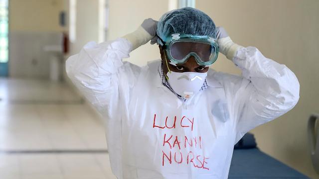 נגיף קורונה אפריקה אחות קניה (צילום: AP)