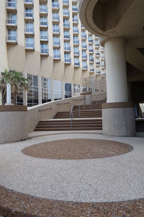 המלון צמוד למתחם בית הטקסטיל של מנשיה (צילום: מיכאל יעקובסון)