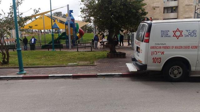 זירת אירוע הדקירה בלוד (צילום: מוחמד עבדל רחמן, תיעוד מבצעי מד