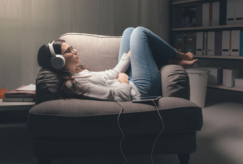 המוזיקה משחררת רגשות (צילום: Shutterstock)