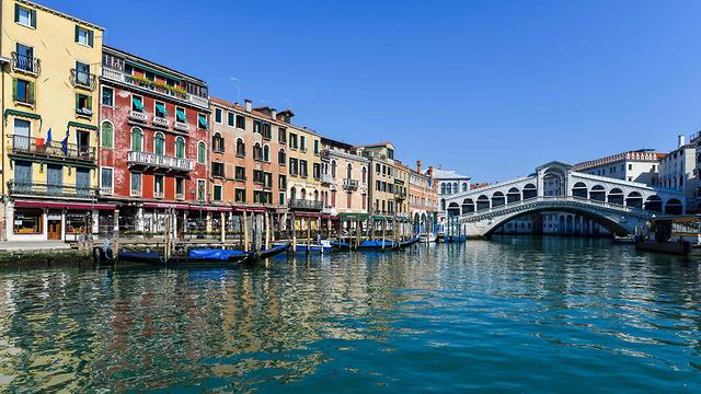 בעקבות הסגר הקורונה באיטליה: תעלות ונציה נקיות (צילום: AFP)
