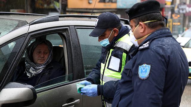 שוטרים פלסטינים  (צילום: EPA)