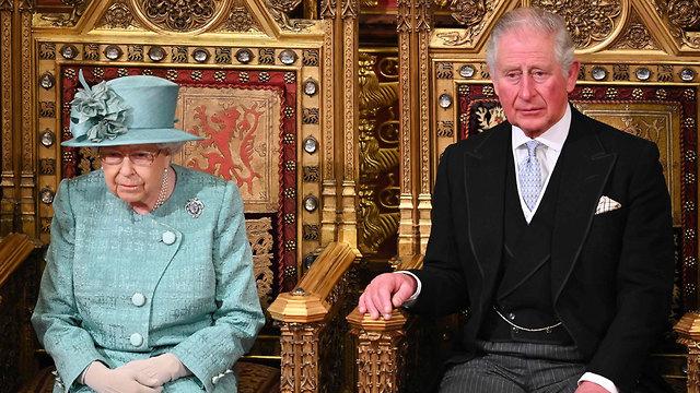 בריטניה הנסיך צ'רלס צ'ארלס נדבק נגיף קורונה המלכה אליזבת  (צילום: AFP )