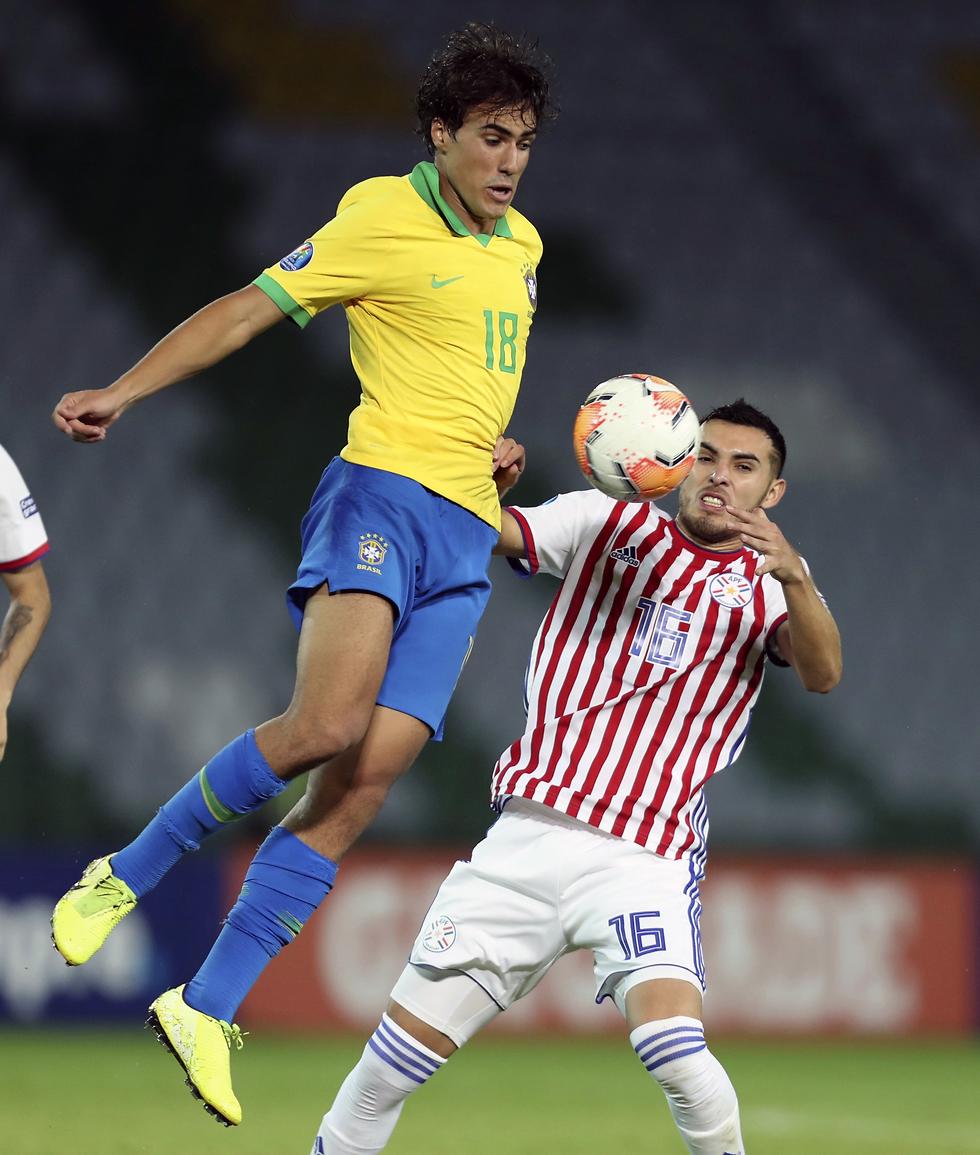גומז במשחק של ברזיל הצעירה מול פרגוואי (צילום: AP)