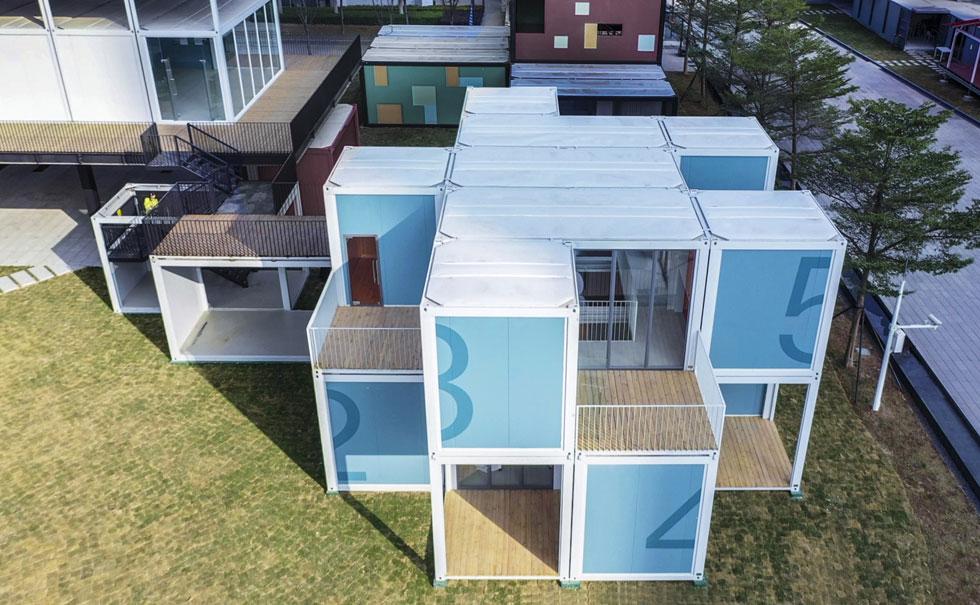 כמו קוביות לגו, המבנה מאפשר גמישות בעתיד עם הוספה והחסרה. מבט מלמעלה (צילום: People's Architecture Office)