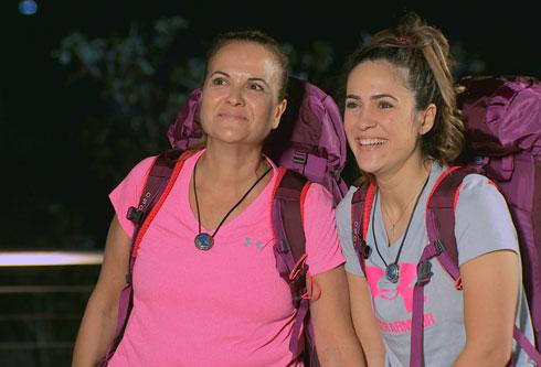 """להסתדר עם תרמיל אחד. אלקובי ובתה ב""""מירוץ למיליון"""" (צילום: מיכה לובטון)"""