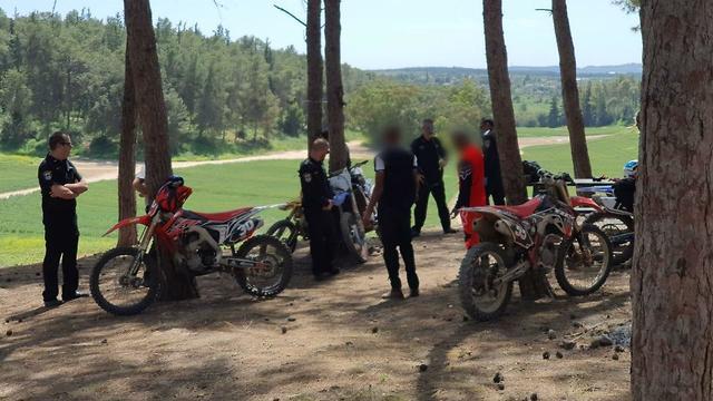 משטרת ישראל במבצע אכיפה ביער בן שמן - אופניים, רכבי שטח ופיקניק בחיק הטבע בניגוד לתקנות לשעת חירום (צילום: דוברות המשטרה)