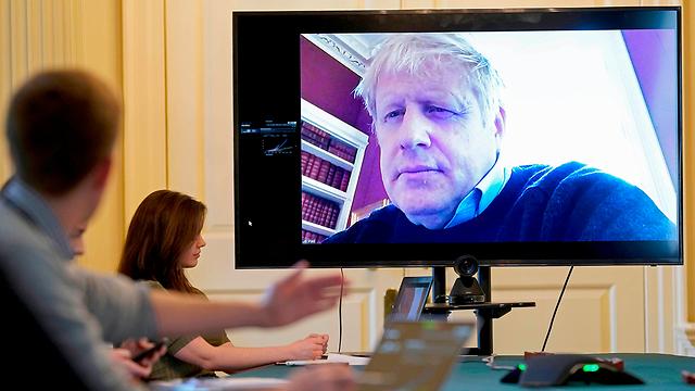בוריס ג'ונסון ראש ממשלת בריטניה חולה קורונה (צילום: AFP)