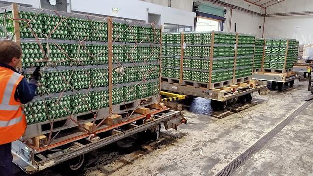 אל על החלה מוציאה רכבת אווירית לליסבון וקייב להבאת משלוח אווירי של ביצים לקראת פסח (צילום: אל על)
