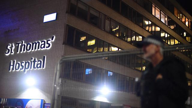 בית החולים סיינט תומאס במרכז לונדון בריטניה שם מאושפז בוריס ג'ונסון (צילום: MCT)