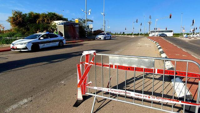 המשטרה נערכת לקראת ערב החג בצל הקורונה (צילום: רועי עידן)