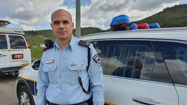 רב פקד גיא לוי סגן מפקד משטרת התנועה בצפון (צילום: דניאל סלמה)
