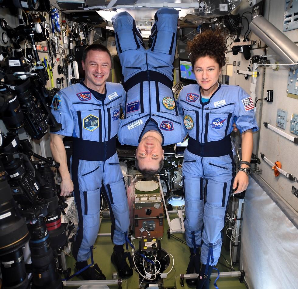 מאיר, סקריפוצ'קה ומורגן - מתכוננים לחזרה לכדור הארץ (צילום: נאס