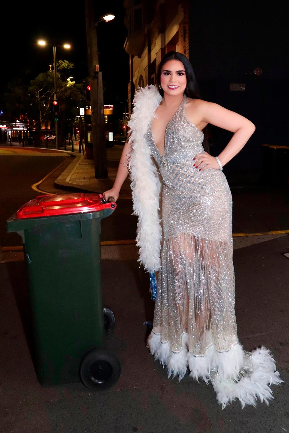 נגיף קורונה תופעה מתלבשים יפה לגרור פחי זבל סידני אוסטרליה ויקטוריה אנתוני (צילום: AFP, Courtesy of Victoria Anthony)