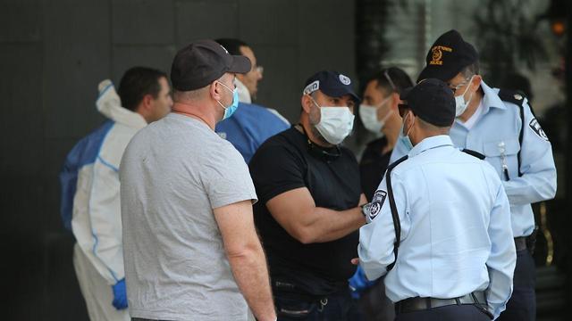 תיעוד מזירת הירי במלון ביץ' האוס בתל אביב (צילום: מוטי קמחי )