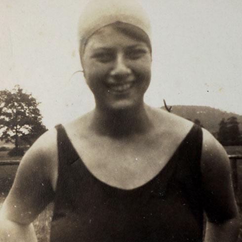 הסבתא שרלוט מנדלסון. ידעה שהיא חייבת לעשות משהו כדי לאפשר לבתה היחידה לשרוד (צילום: אלבום פרטי)