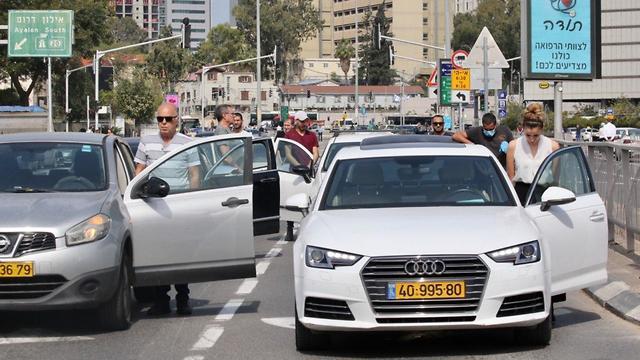 צפירה בתל אביב (צילום: יריב כץ)