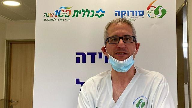 ד״ר אלי רוזנברג, רופא בכיר במחלקת קורונה בסורוקה (צילום: רחל דוד, סורוקה)
