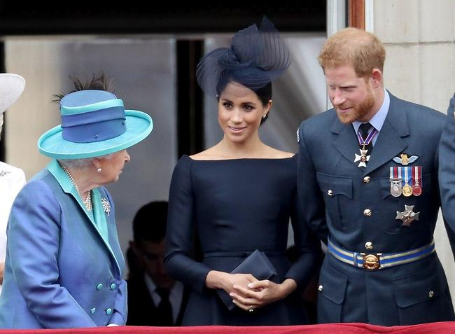 מכאן אין דרך חזרה. הארי, מייגן והמלכה אליזבת (צילום: Gettyimages)
