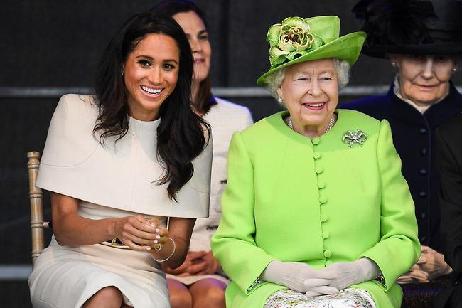 """""""הנושאים שהועלו מדאיגים"""". המלכה אליזבת ומייגן מרקל (צילום: Gettyimages)"""