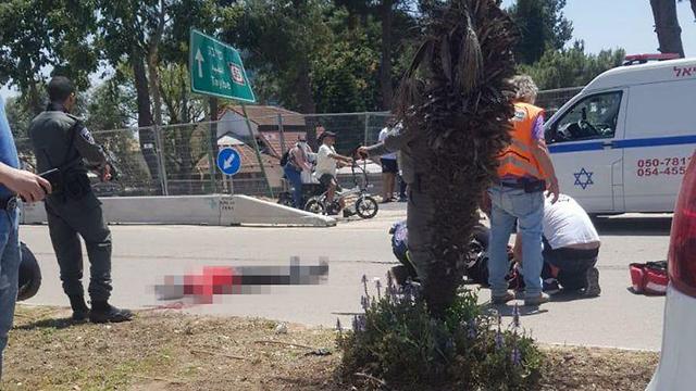 חשד לפיגוע דקירה בכפר סבא ()